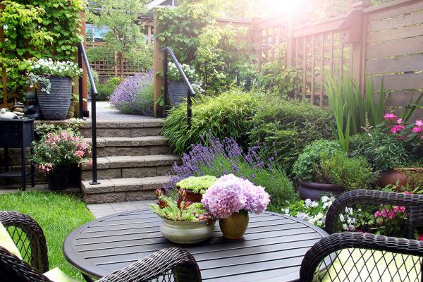 Aufbau und die Pflege privater Gärten
